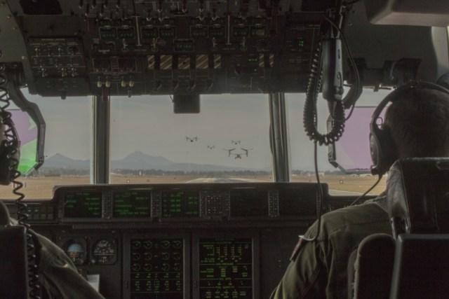 1000w q95 12 - IMAGENS: Fuzileiros Navais dos EUA realizam voo transpacífico com tiltrotores MV-22 Ospreys