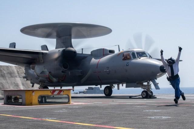 1000w q95 - Marinha Francesa planeja adquirir aviões E-2D Advanced Hawkeye