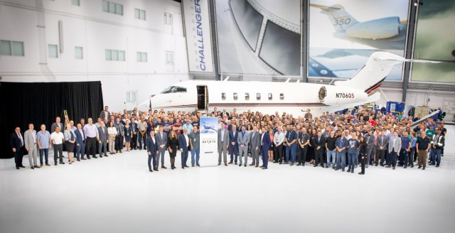 100th Challenger Bombardier Netjets - Bombardier entrega o 100º jato executivo Challenger para a NetJets