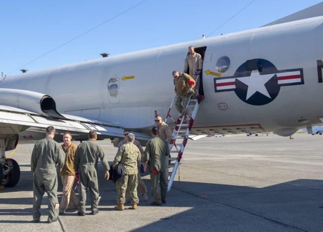 1000w q95 7 1 - FIM DE UMA ERA: Marinha dos EUA aposenta último P-3C Orion no serviço ativo