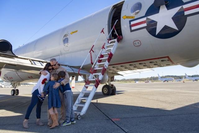 1000w q95 9 1 - FIM DE UMA ERA: Marinha dos EUA aposenta último P-3C Orion no serviço ativo