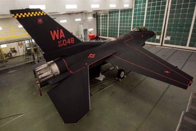 """75375652 10157700750019394 4381568877662830592 o - VÍDEO: USAF apresenta seu """"fantasmagórico"""" F-16C"""