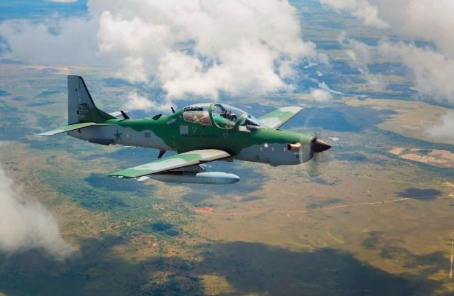 A 29 3 - Embraer A-29 completa 15 anos de operação na FAB