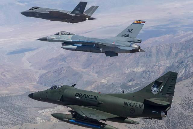 Draken adversary support Nellis - USAF fecha mega acordo com empresas de serviços de combate aéreo adversário