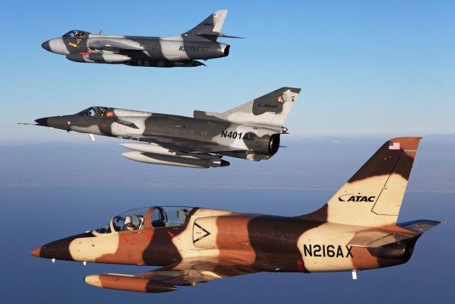 cacas agressores atac - USAF fecha mega acordo com empresas de serviços de combate aéreo adversário