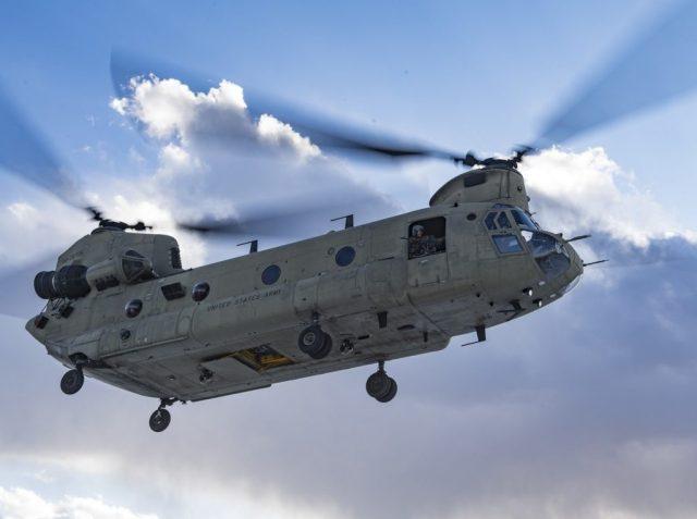 4233589 1024x763 - EUA aprovam venda de 10 helicópteros CH-47F Chinook para os Emirados Árabes Unidos