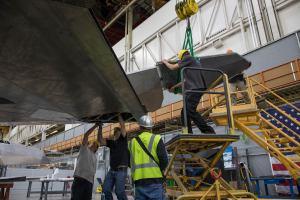 """75210881 3161738007186045 3083595005936271360 o - """"Nighthawk Landing"""": Revelado processo de preparação do F-117 que será exposto em biblioteca presidencial"""