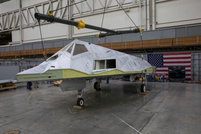 """75521830 3161738173852695 7176260151064657920 o - """"Nighthawk Landing"""": Revelado processo de preparação do F-117 que será exposto em biblioteca presidencial"""