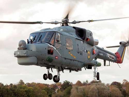 em voo durante o teste de aceitacao de fabrica web - Terceiro Lynx modernizado da Marinha do Brasil realiza teste de aceitação no Reino Unido