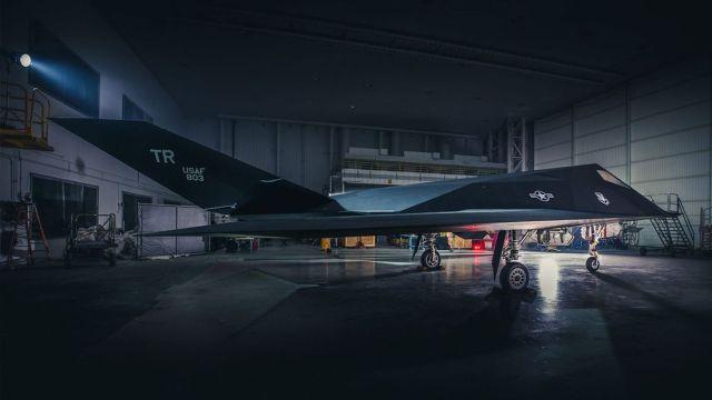 """image article169Gallery 15137f27 1644940 - """"Nighthawk Landing"""": Revelado processo de preparação do F-117 que será exposto em biblioteca presidencial"""
