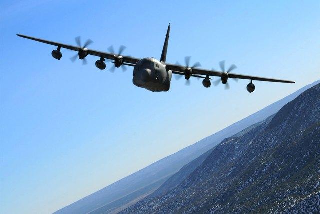 mc 130j commando ii 002 - Militar cai de aeronave C-130 durante voo de treinamento no Golfo do México