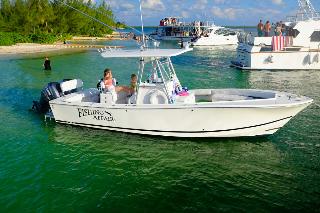 Private charters grand cayman cayman islands for Grand cayman fishing