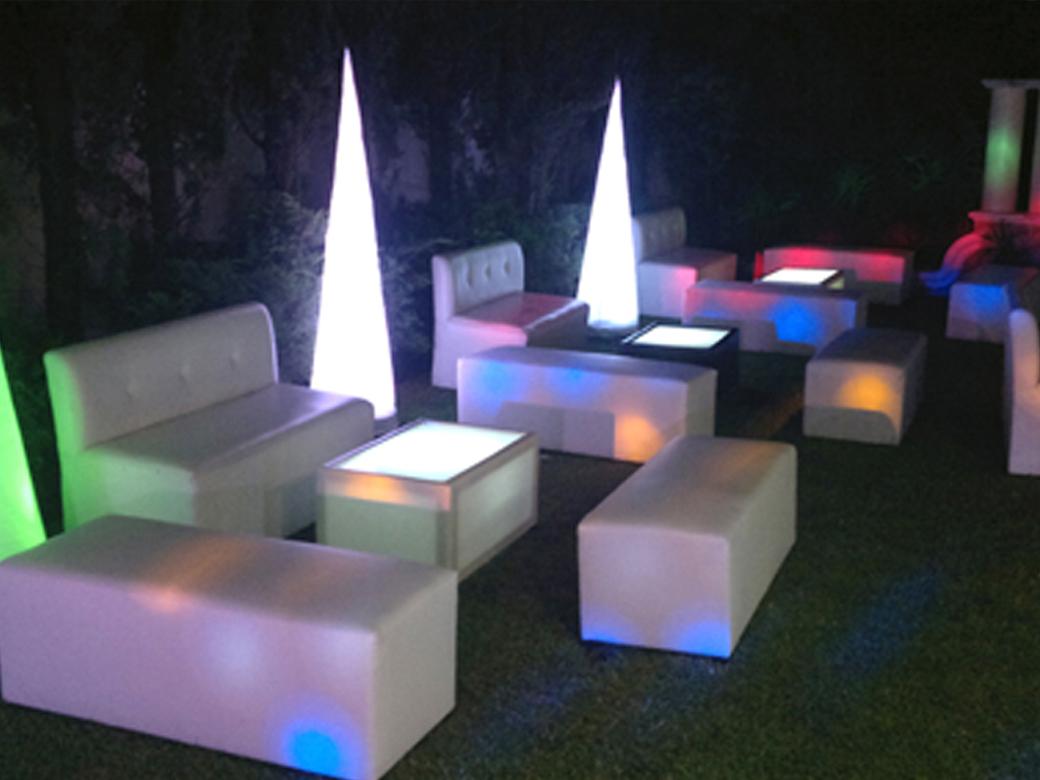 Salas lounge  Cazafiestas  Luz y sonido en Guadalajara