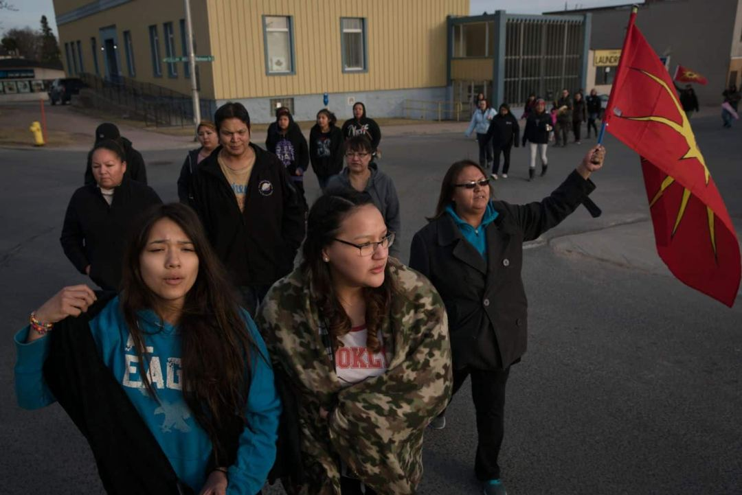 A number of supporters marched through Kenora that day calling for an inquest into Azraya's death. (Ed Ou/CBC)