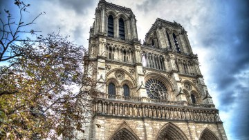 Archbishop of Paris expresses gratitude for solidarity and prayers after Notre Dame Cathedral fire