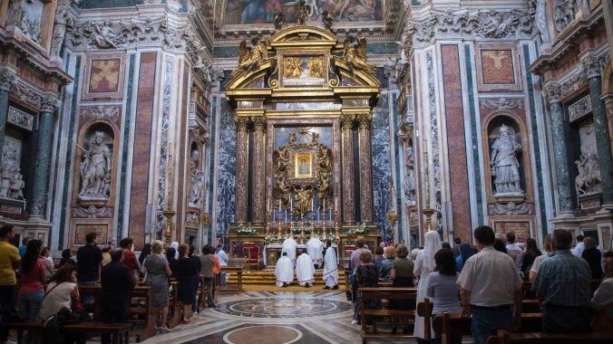 Pope Francis visits Basilica of Saint Mary Major