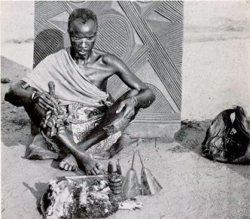 Igbo_medicine_man
