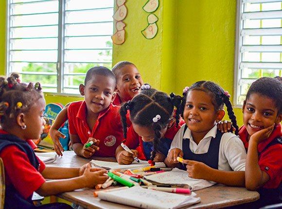 Photo of Dominican children in school