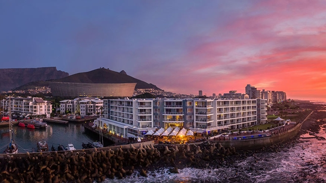 Luxury Cape Town hotel goes off water grid