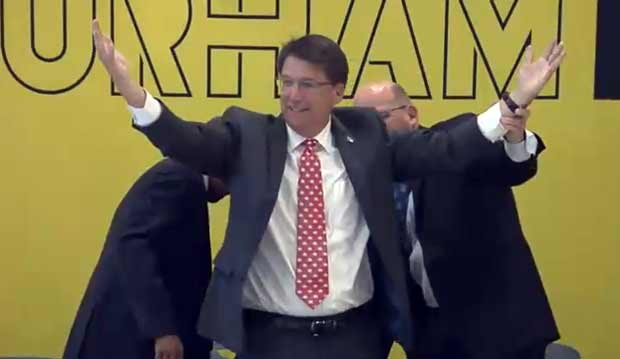 Ta-da! Gov. McCrory makes quick recovery after fall in Durham (Image 1)_28972