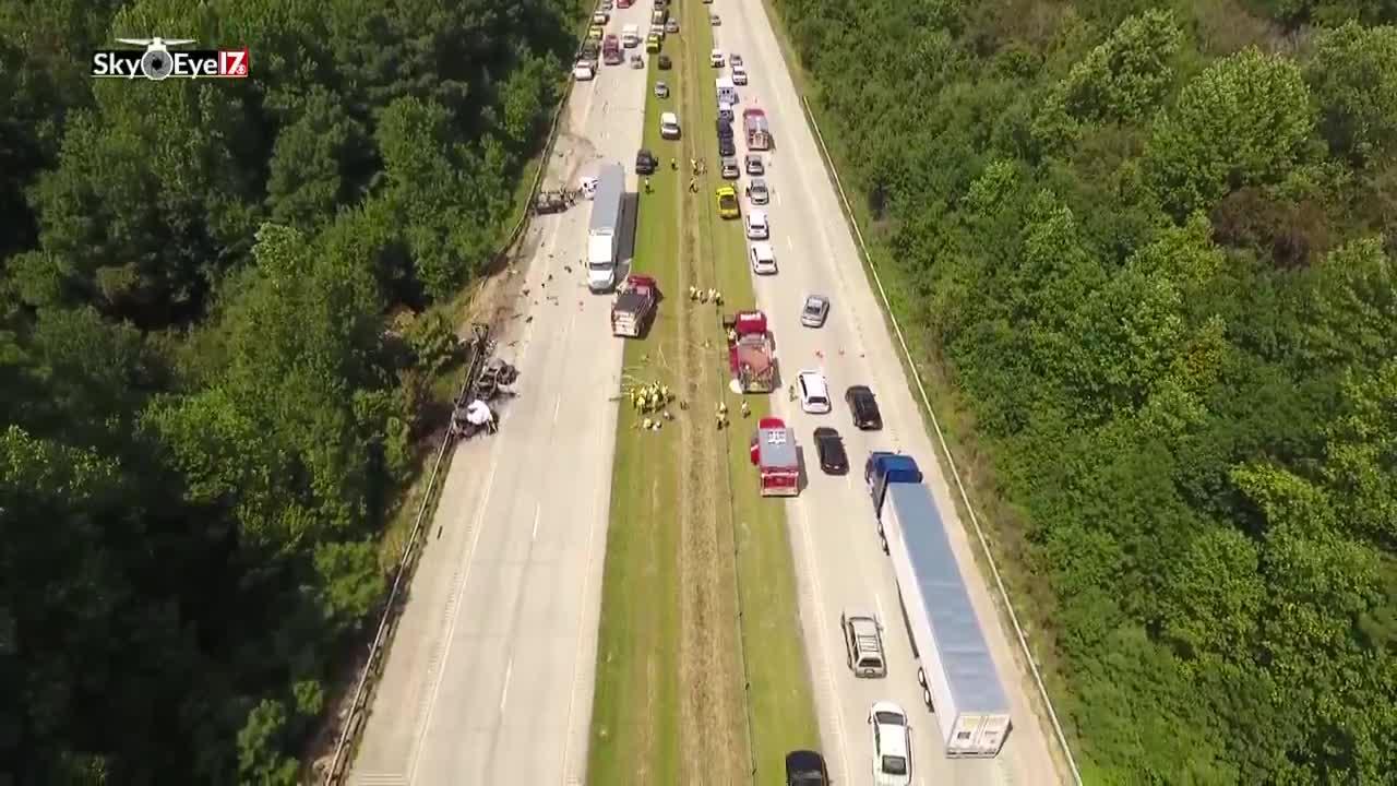 3 dead in fiery crash on I-40 in Johnston County