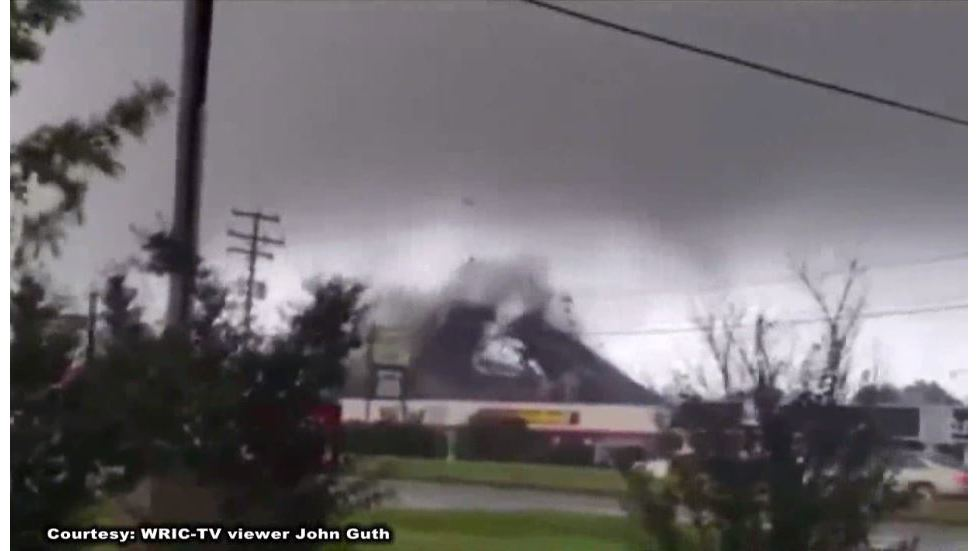 RAW_VIDEO__Possible_tornado_rips_roof_of_0_20180917214851