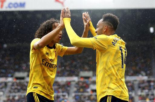 Arsenal starts its EPL season with 1-0 win at Newcastle
