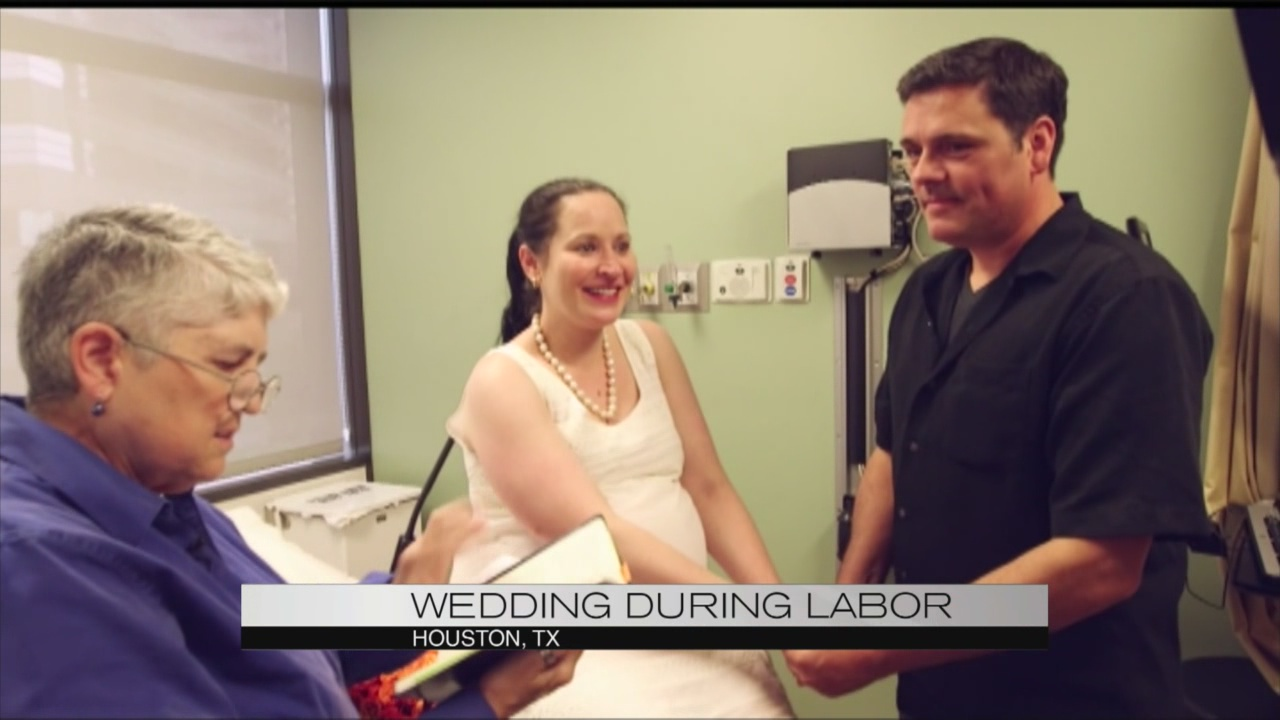Wedding during labor_115409