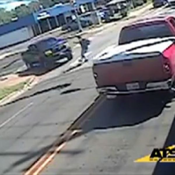 kid exits school bus hit by truck_191233