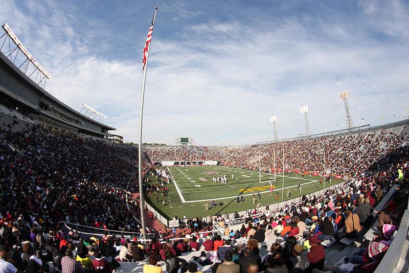 classic-stadium-fans_201442