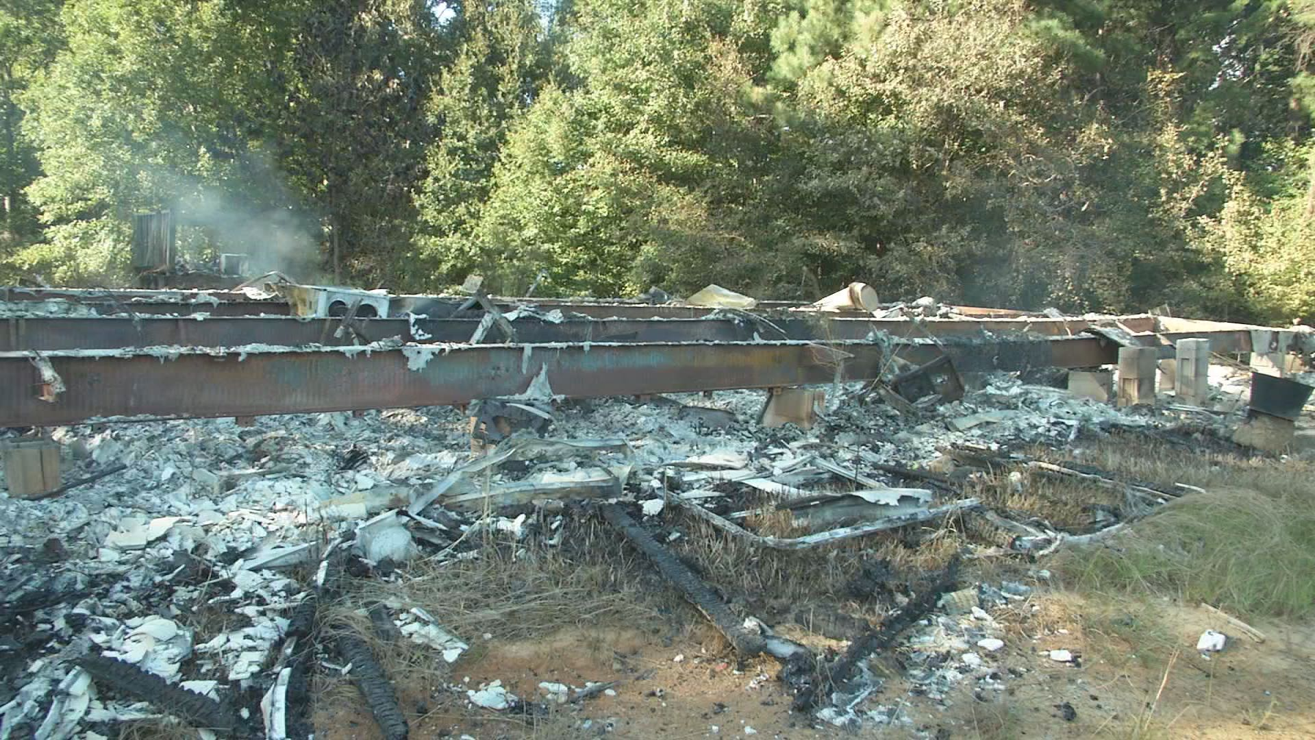 adamsville police officer burnt home00000000_1536979285029.jpg.jpg