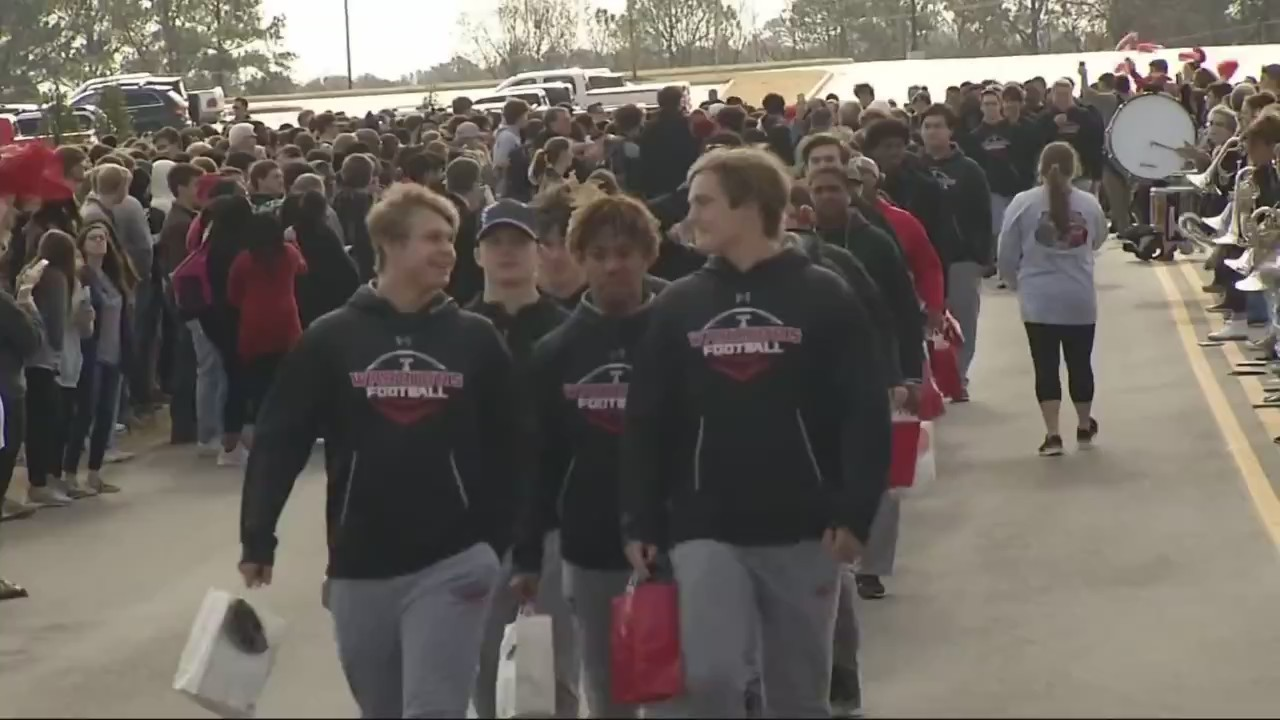Thompson Football Team heads to 7-A Alabama State Championship Game 6p