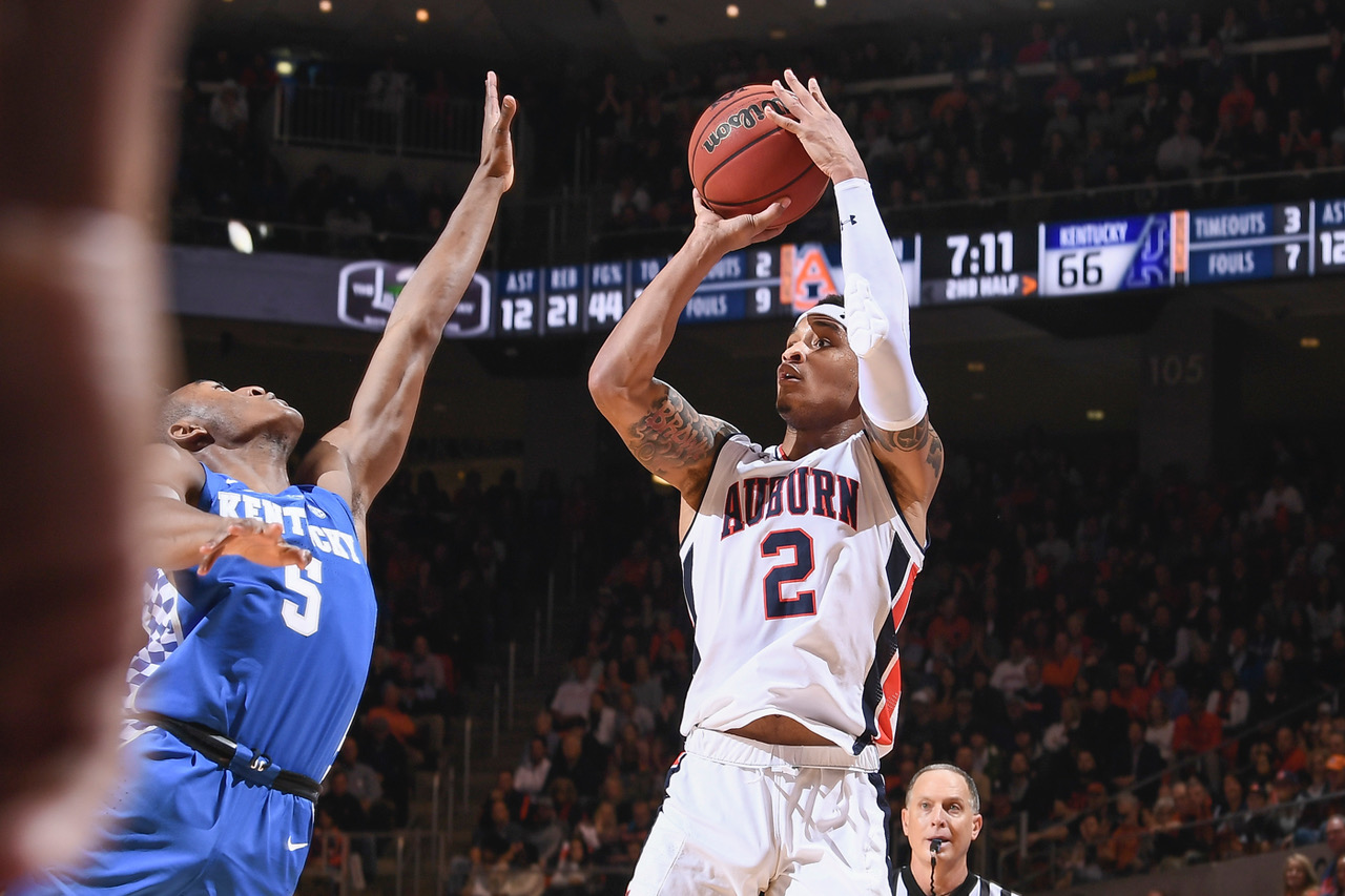 Auburn Falls Two Spots In Latest Ap Men S Basketball Poll