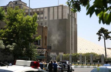 ISIS ataca Teherán y deja decenas de muertos