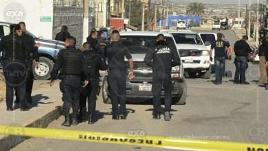 Matan a dos hombres y una mujer frente a su vivienda