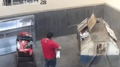 VIDEO: Tira a su bebé recién nacida a un contenedor de basura