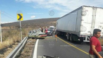 ECUANDUREO Dos heridos tras aparatoso choque en la curva de El Colesio (3)