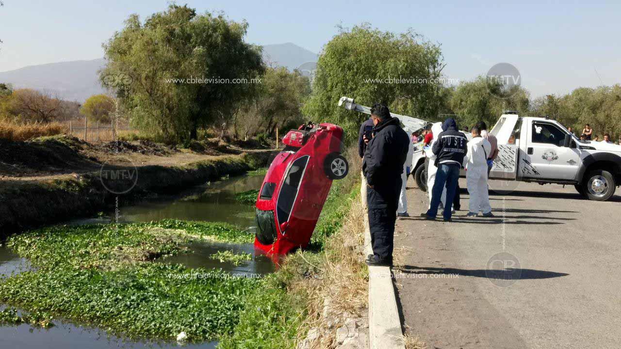 Muere automovilista al caer a un canal de aguas negras en Morelia