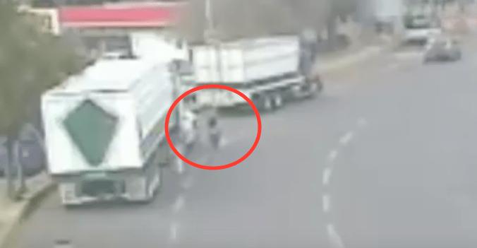 VIDEO: Tráiler aplasta y mata a una mujer en la Central de Abastos