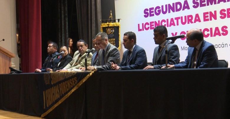 Fortalecen conocimientos de seguridad pública en la UMSNH