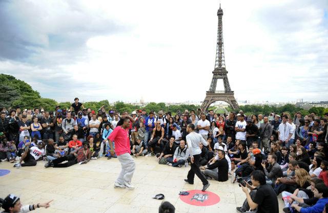 b-boys breaking on the trocadero palce, paris, world music day