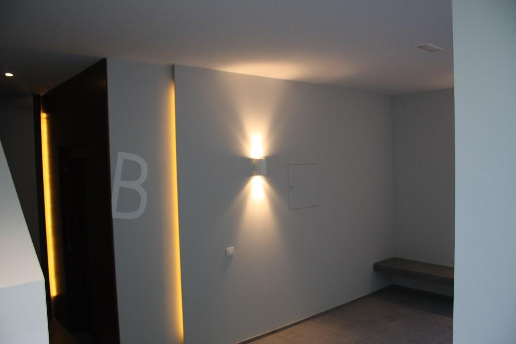 Hall entrada | Accés escala B