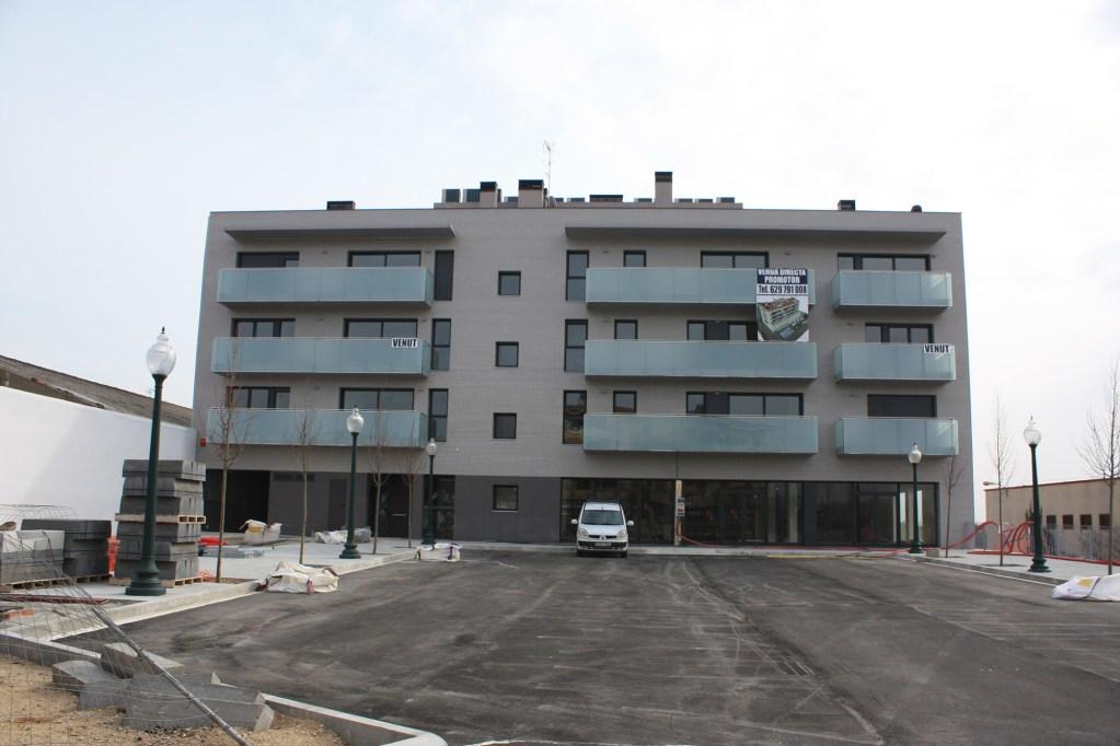 Vista frontal edifici.