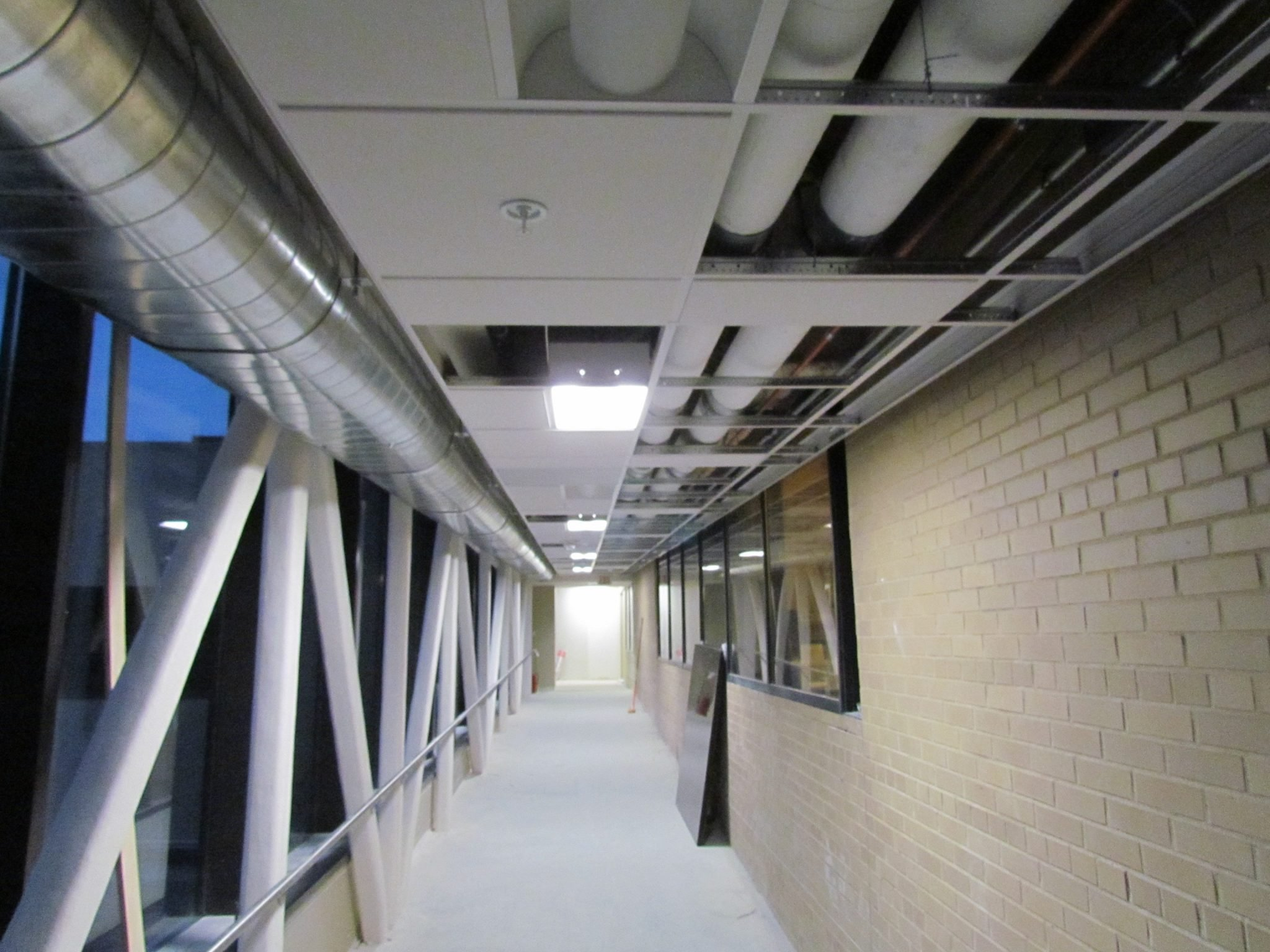 11Beaumont Hospital brick hallway