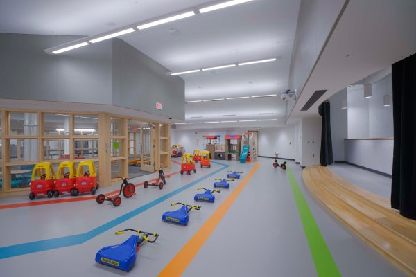 11Novi Early Education Center hallway with children's toys