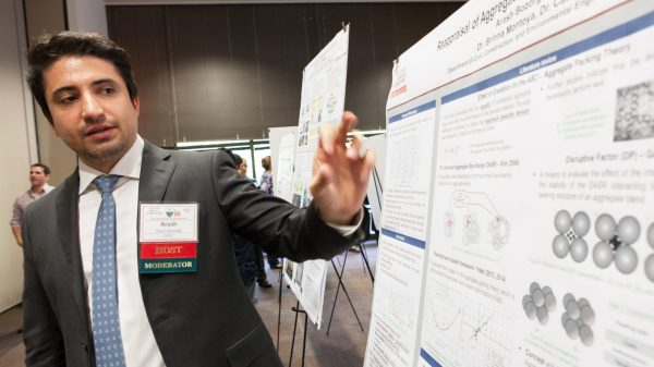 Graduate Students Connect With Professional Engineers