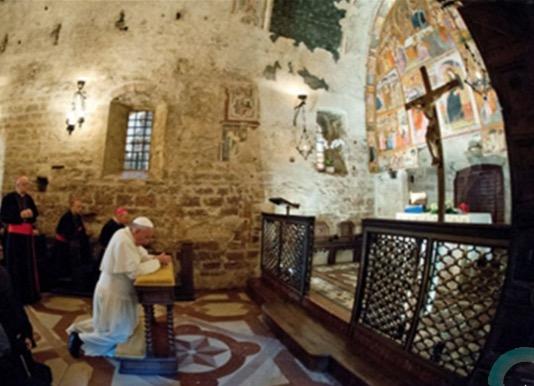 Le Pape dénonce «l'économie qui tue» dans une lettre à l'évêque d'Assise – L'Église doit se dépouiller «de la mondanité» et revêtir «les valeurs de l'Évangile»