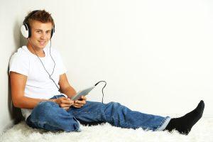 Spanish classes reading text audio