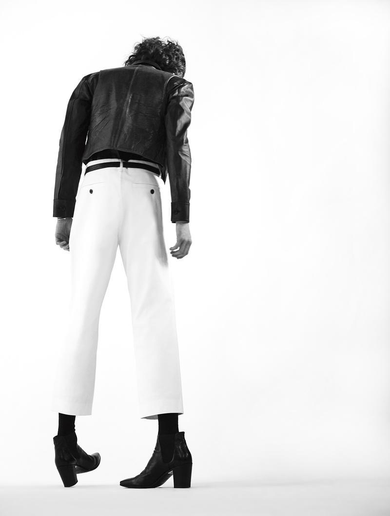 Louie_Johnson _photographed_by_Nacho_Pinedo_for L'Officiel_Hommes_Netands_Carbon_Copyherl-0013