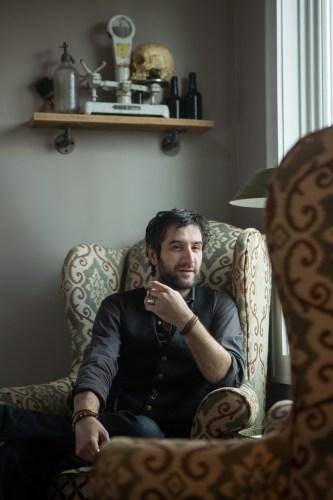 lifestyle portraiture hudson valley by caylena cahill bartender, gardiner liquid mercantile